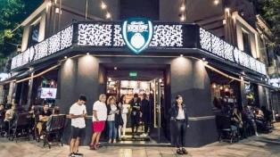 Fuertemente armados asaltaron tres bares y desde el municipio sospechan de la policía