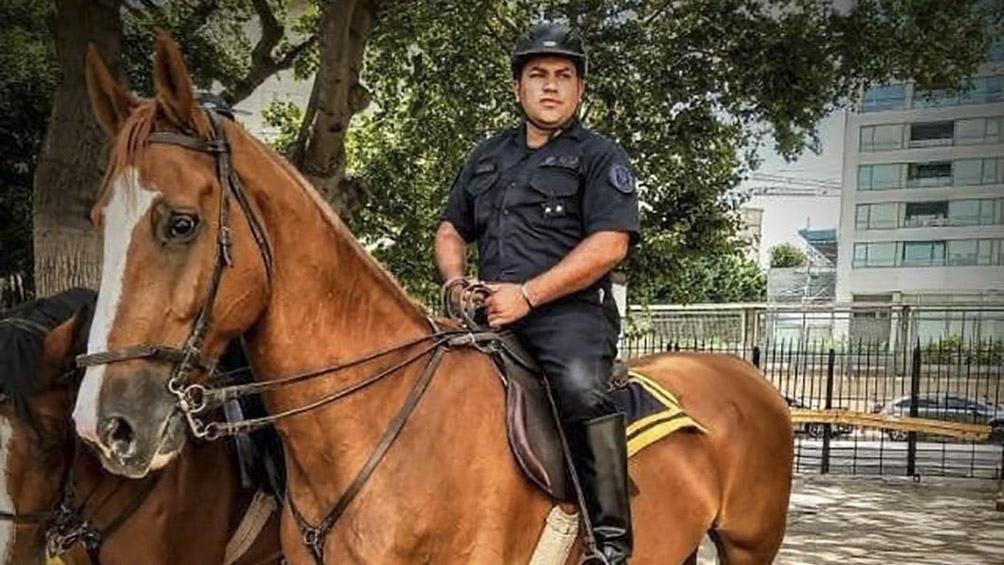 La víctima fue identificada como el inspector Juan Roldán