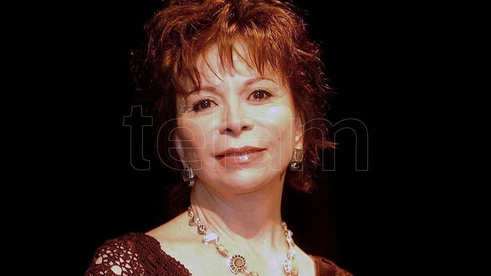 Isabel Allende fue galardonada en España con el Premio Liber 2020