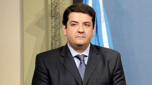 """El viceministro Mena pidió a la oposición que """"se siente a debatir"""" proyectos de reforma"""