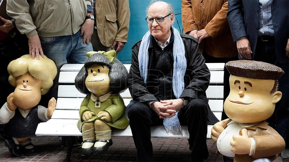 """Junto a Mafalda en 2014, año en que el entrañable personaje """"cumplió"""" 50."""