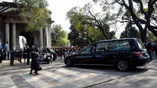 Inhumaron con honores al policía asesinado