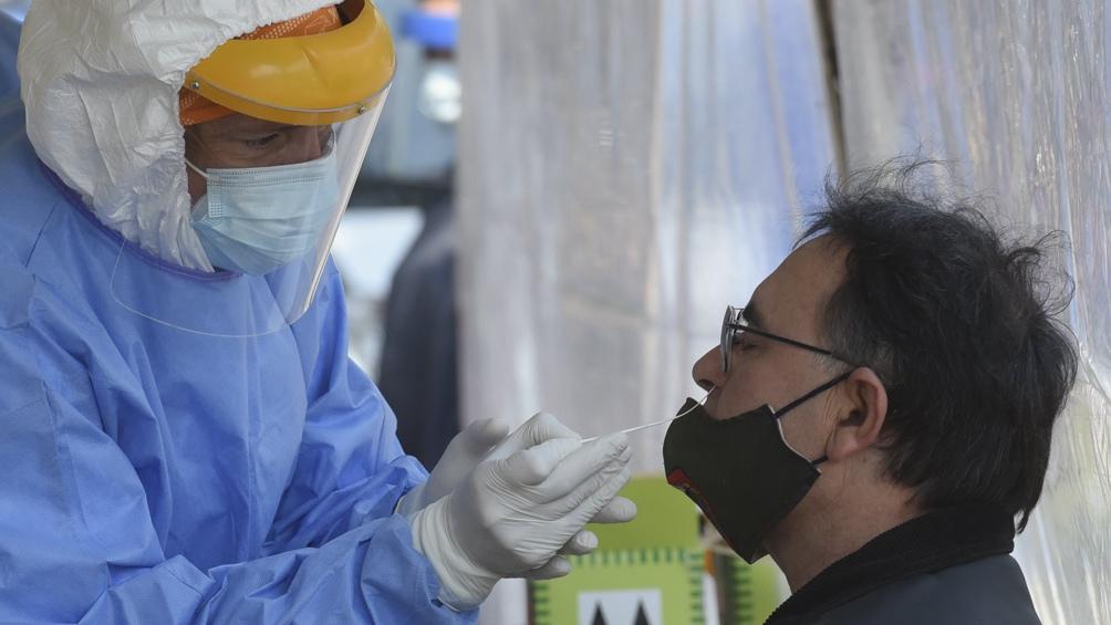 Rosario: con un pico de contagios, advierten que el sistema de salud está