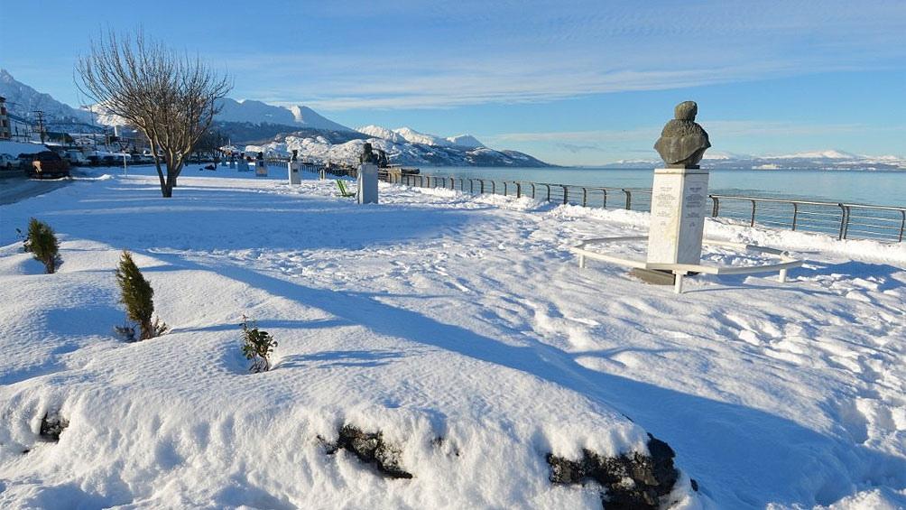 La nieve se combinó con un brusco descenso de la temperatura y de la sensación térmica que alcanzó los 9 grados bajo cero