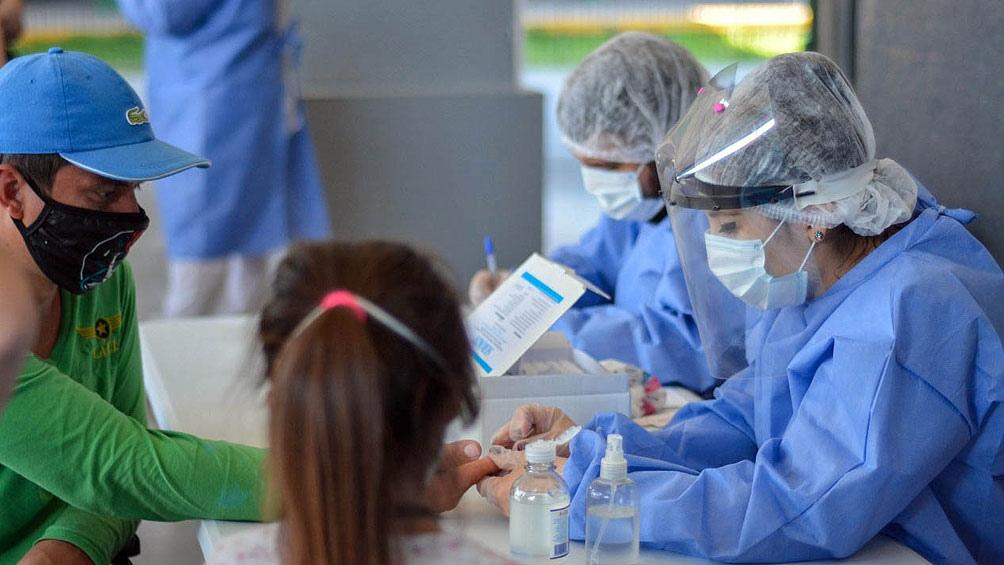 La franja de niños y adolescentes es la que más aumento de casos registró.