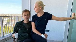 El opositor ruso Navalny acusa a Putin de envenenarlo y Rusia lo vincula con la CIA