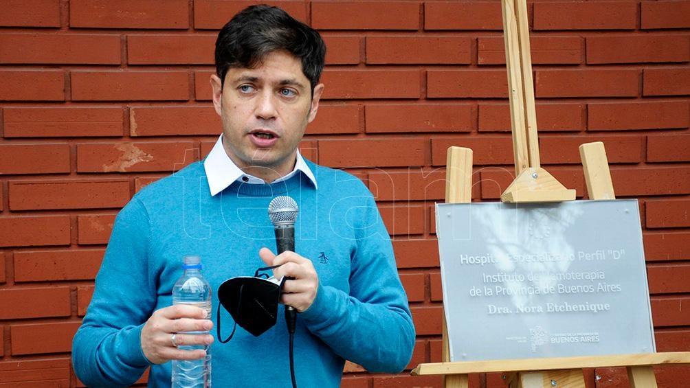 El gobernador anunció la incorporación a planta de 1.100 residentes.