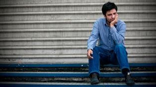 """Zambra: """"En Poeta Chileno, quise registrar el habla antes de que cambie irreversiblemente"""""""