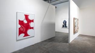 Una muestra reúne obras inéditas de Mondongo, Matías Duville y más artistas contemporáneos