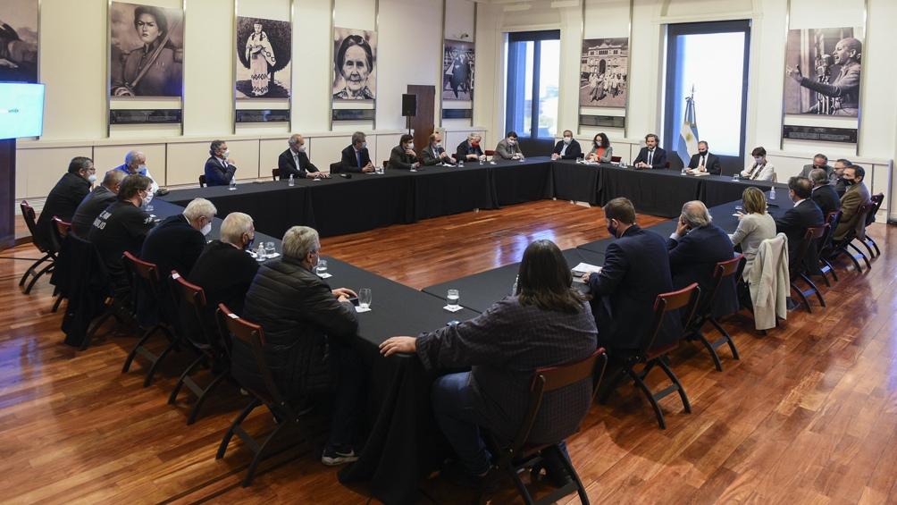 Gobierno, empresarios y sindicatos avanzan en una agenda común para la reactivación