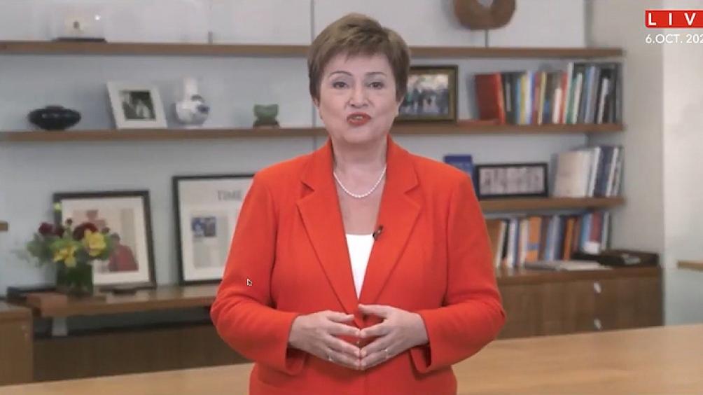 """Georgieva consideró que el nuevo informe """"ofrece valiosos análisis y recomendaciones y llega en un momento muy oportuno, ya que los préstamos de fondos están en su punto más alto""""."""