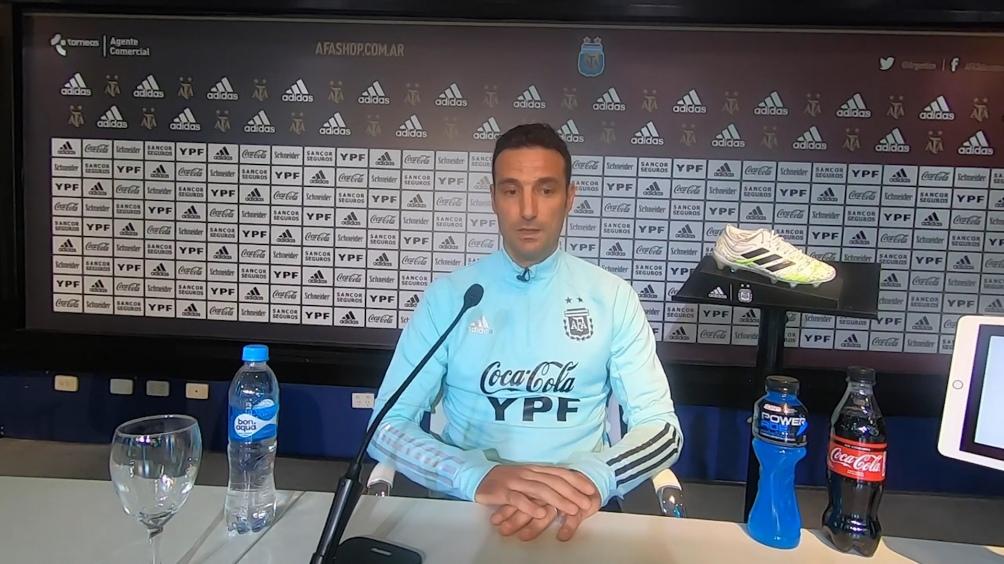 Scaloni dio una conferencia de prensa de cara al partido con Bolivia.
