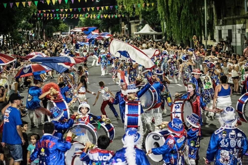 Las murgas ensayan esperando la resolución sobre los carnavales 2021.