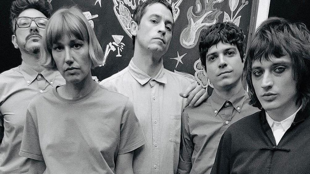 La banda formada en el 2012 por Julián della Paolera presentará su streaming a las 22.