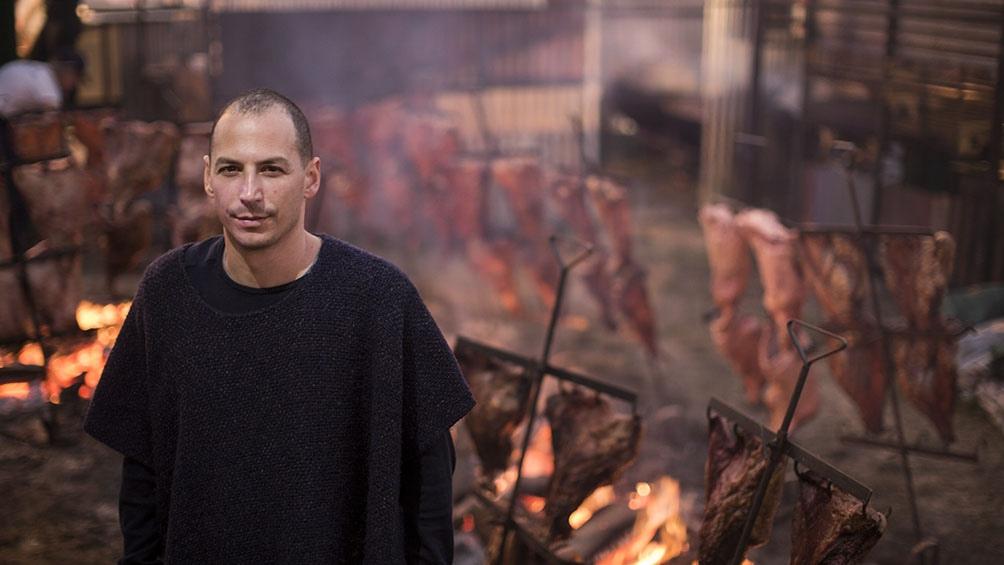 En noviembre de 1999. Pablo Rivero abrió Don Julio en un local que estaba debajo de la casa paterna.