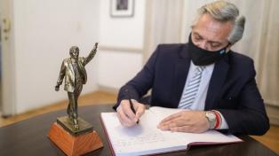 Fernández presentó una lista  de unidad y será el presidente del PJ