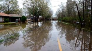 EEUU: al menos 16 muertos y decenas de desaparecidos por inundaciones