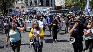 Organizaciones y partidos de izquierda se movilizaron por las tomas de tierras de Guernica