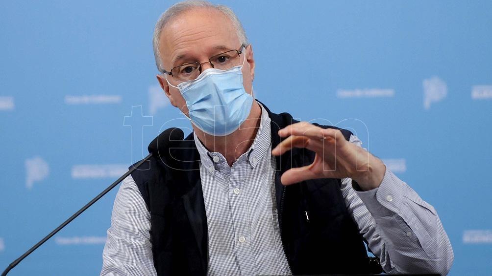 El ministro de Salud bonaerense Daniel Gollan celebro la partida del avión de Aerolíneas rumbo a Rusia