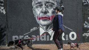 Ordenan la libertad de Uribe, en arresto domiciliario por presunto fraude