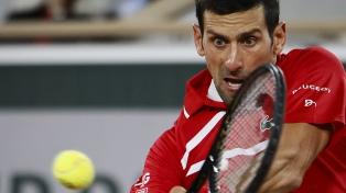 Djokovic sufrió pero avanzó a cuartos de Roland Garros