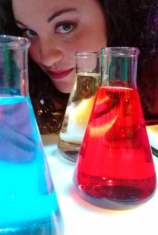 Valeria Edelstein, una doctora en química que se especializó en divulgación.