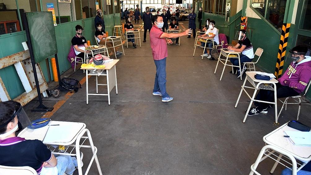 El Gobierno bonaerense puso en marcha el programa ATR, que busca garantizar la continuidad pedagógica de 279 mil estudiantes.