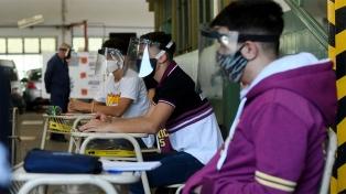Provincia puso en marcha el ATR y dos colegios porteños retomaron actividades presenciales