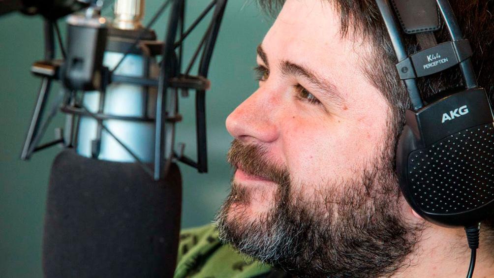 """Adrián Lakerman es guionista, columnista en """"Últimos Cartuchos"""" (Vorterix) y creador de podcast """"Comedia""""."""
