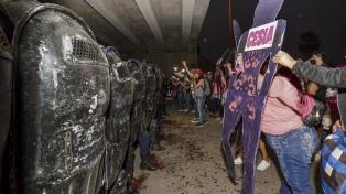 """Otra multitudinaria concentración gritó """"basta de femicidios"""""""