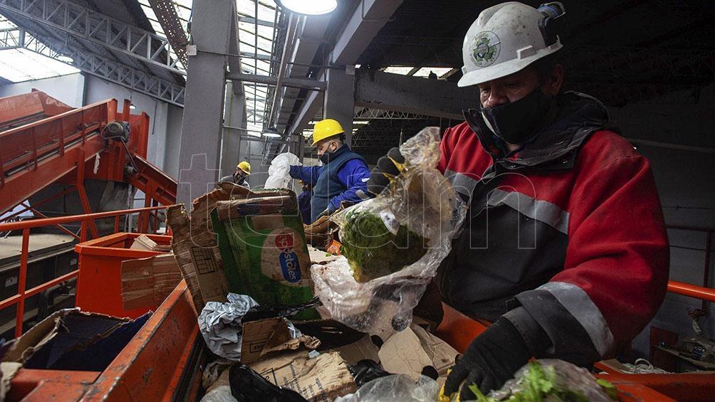 Cada persona produce, en promedio, un kilogramo de residuos por día.