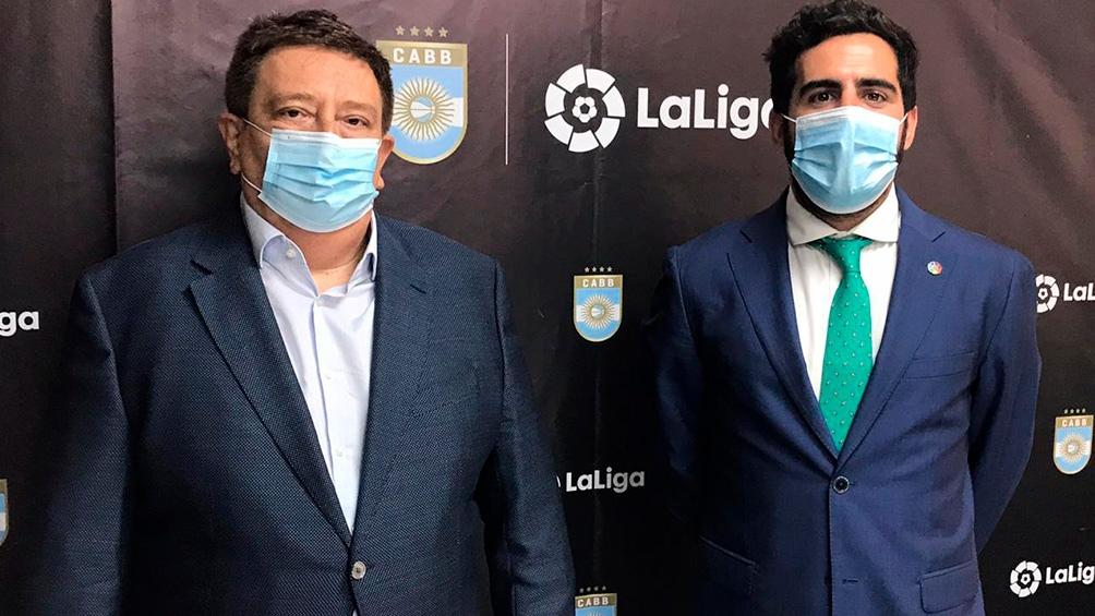 Fabián Borro, presidente de la CABB y Marc Terradas, referente de La Liga en el continente, firmaron el acuerdo