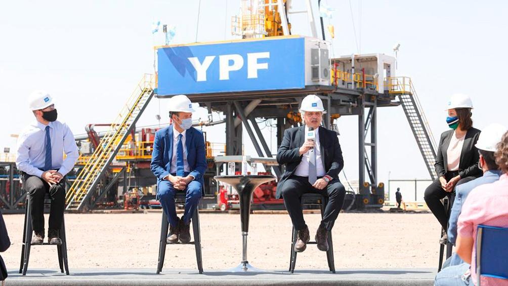 El Presidente en un acto desde el centro de la producción de gas y petróleo no convencional en la formación Vaca Muerta, en Neuquén.