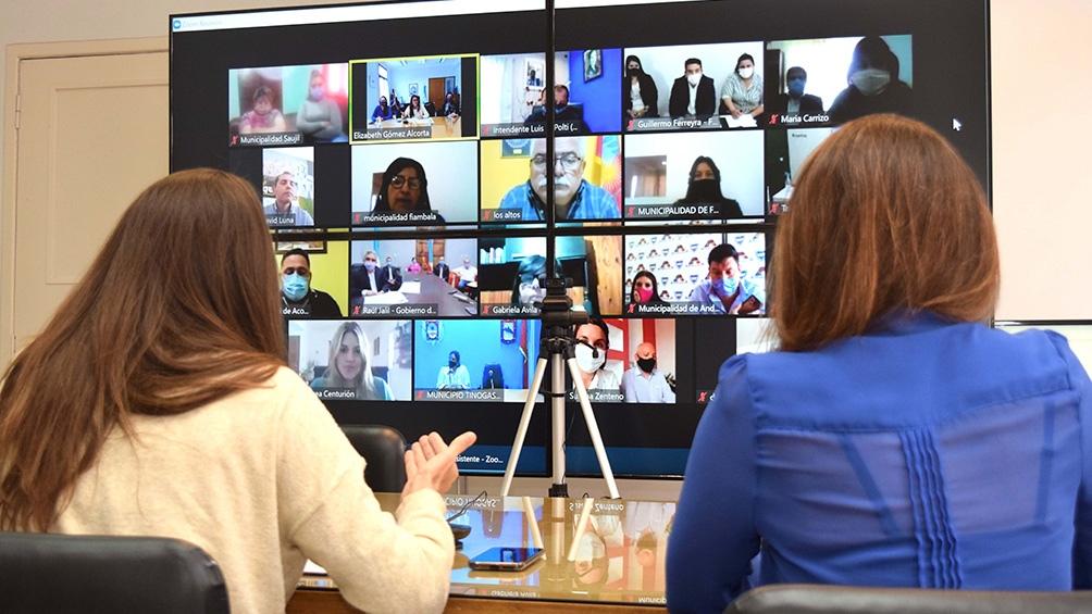 El encuentro virtual con Raúl Jalil y los intendentes catamarqueños.