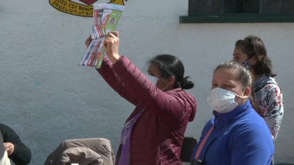 Tras la incertidumbre residentes bolivianos votaron en cinco recintos en Mendoza