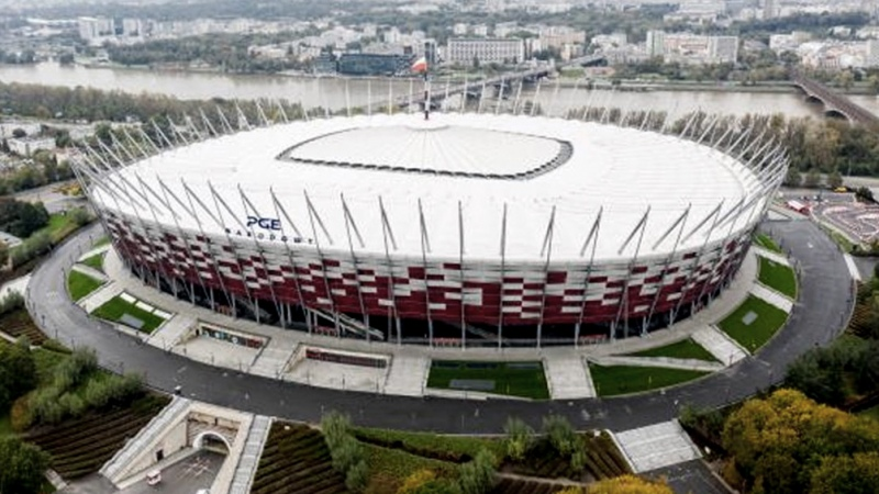 Polonia transforma su mayor estadio en un hospital para pacientes con coroanvirus