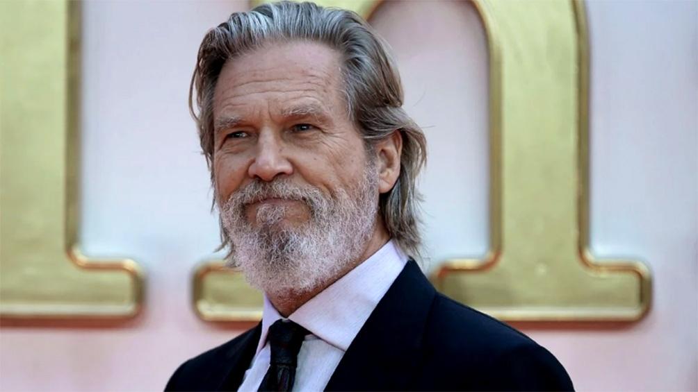 """""""Estoy iniciando el tratamiento y los tendré al tanto de mi recuperación"""", detalló Jeff Bridges."""