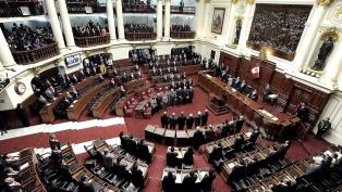 El Congreso peruano postergó para el lunes el debate sobre la destitución del Presidente