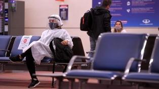 Reducen vuelos con Europa y suspenden nuevos destinos para evitar el ingreso de nuevas cepas