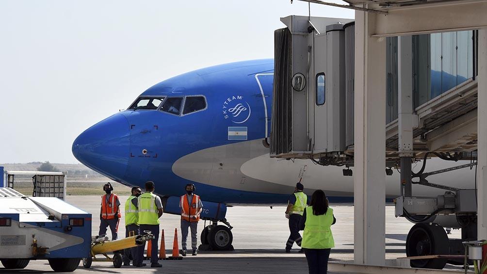 """Es posible que se """"endurezcan"""" las condiciones para los pasajeros que lleguen a Ezeiza"""