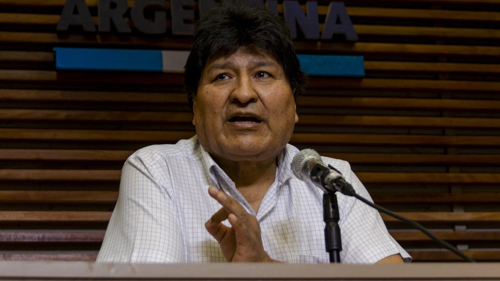 """""""Todas y todos debemos actuar con tranquilidad y en el marco constitucional"""", sentenció Morales."""