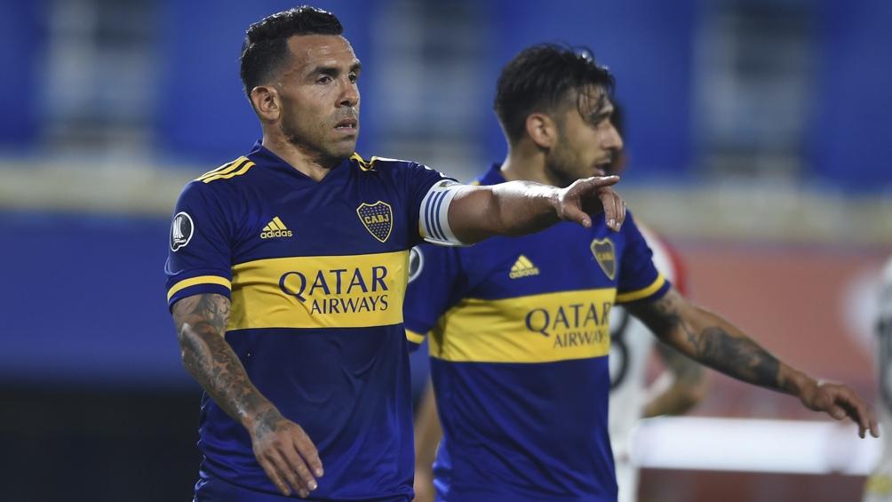 Tevez hizo dos goles y fue figura
