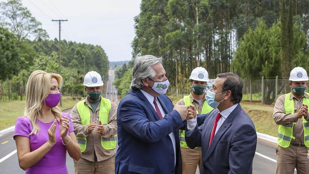 El Presidente inauguró la pavimentación de la avenida Raúl Alfonsín-Pastor Jorge Baschlin, que une los municipios de Capioví y Ruiz de Montoya.