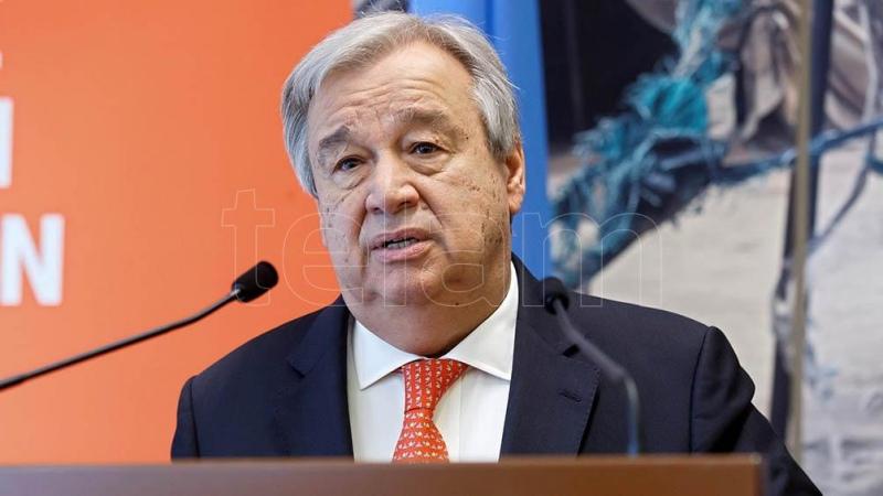 El jefe de la ONU criticó a los países desarrollados por acaparar vacunas