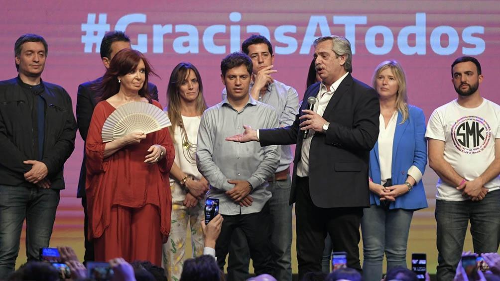 Con la aceptación de la derrota de Macri pasadas las 22, el búnker emplazado en el Complejo Cultural C estalló de alegría.