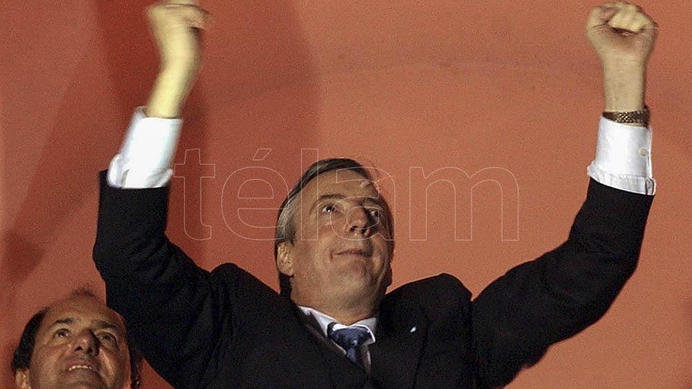 Funcionarios y dirigentes políticos recordaron este jueves el nacimiento del expresidente Néstor Kirchner.