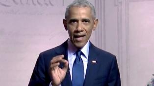 """Obama felicitó a Biden y Harris por una """"victoria histórica y decisiva"""" para EEUU"""