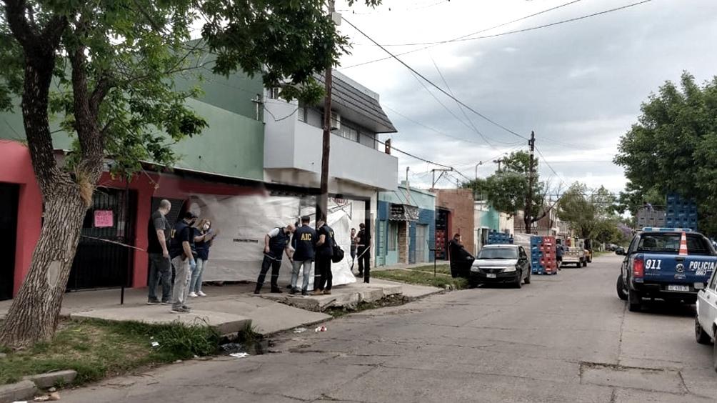 Maximiliano Ayala fue atacado en el barrio Los Hornos, a poca distancia de su vivienda.