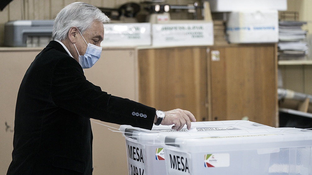 Piñera pide al Congreso realizar las elecciones de abril en dos días - Télam  - Agencia Nacional de Noticias