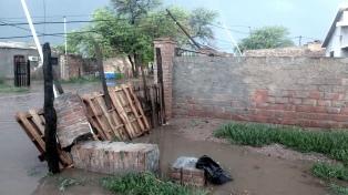 Graves destrozos y familias afectadas por fuerte temporal en el interior santiagueño